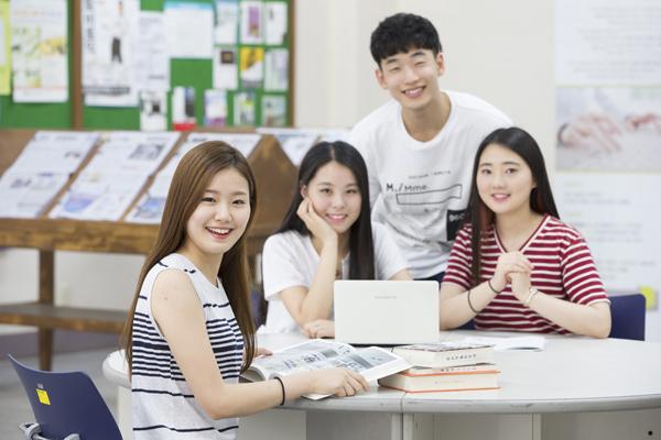 Học tiếng Hàn với người Hàn Quốc